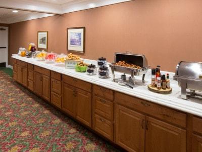 Campbell Inn Complimentary Breakfast