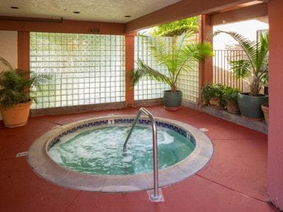 Campbell Inn Hot Tub